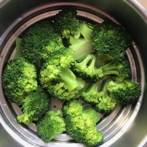 Brocoli cuit à la vapeur
