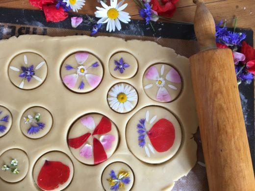 Sablés floraux confection